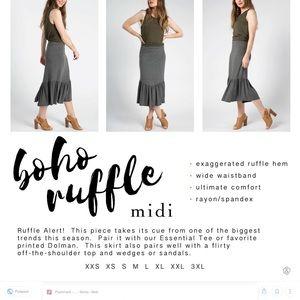 Boho ruffle skirt, size S